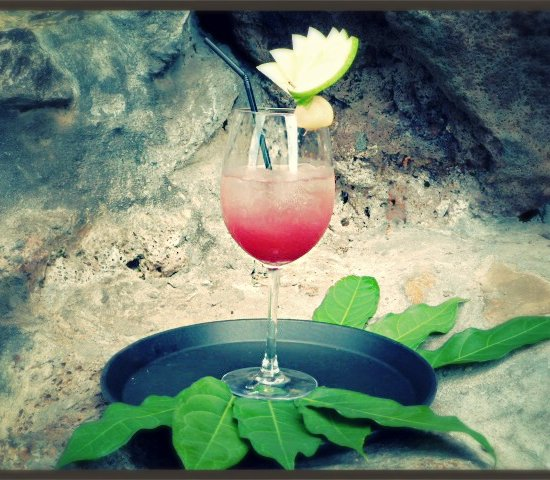 COCKTAIL IDEA: THE BITTER PINK